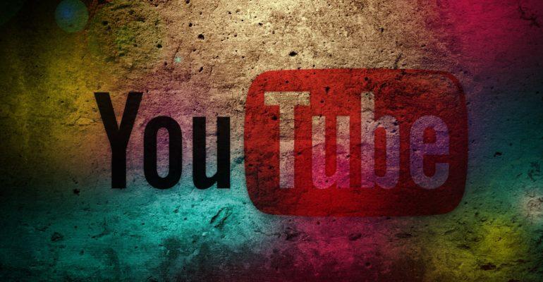 engager des abonnés géolocalisés sur sa chaîne Youtube ? Il existe de nombreux moyens pour inciter les internautes à s'intéresser à vos vidéos Youtube et à s'abonner à votre chaîne. Parmi les plus efficaces de ces méthodes, on compte l'achat d'abonnés géolocalisés.  En effet, c'est un investissement peu onéreux mais dont les effets sont très appréciables pour sa chaîne Youtube.  Acheter des abonnés géolocalisés pour attirer naturellement de nombreux abonnés Si vous avez monté une nouvelle vidéo et la mettiez sur votre chaîne Youtube, avoir des abonnés géolocalisés vous permettra de faire connaître plus rapidement sa disponibilité aux internautes. Acheter des abonnés géolocalisés aura pour effet de vous attirer encore plus de fans du fait qu'ils amèneront les internautes à s'intéresser aux vidéos postées sur votre chaîne Youtube. Néanmoins, pour que les internautes soient automatiquement intéressés par vos vidéos, il faut avant tout que celles-ci aient une qualité d'image élevée. C'est un critère non négligeable puisque cela encouragera les internautes à se mettre tout naturellement dans votre liste d'abonnés.   Engager des abonnés géolocalisés pour rendre sa chaîne Youtube plus crédible Pour les entreprises et commerçants, il est essentiel de promouvoir leurs activités sur leur chaîne Youtube afin d'attirer le plus d'internautes possibles à s'intéresser à leurs services ou à leurs produits. Cela est dû au fait que chaque abonné est considéré comme un potentiel client. C'est pourquoi en achetant des abonnés géolocalisés actifs, votre chaîne sera plus exposée et deviendra ainsi plus populaire. Effectivement, les fans géolocalisés que vous engagerez seront immédiatement avertis à chaque nouvelle vidéo postée sur votre chaîne Youtube. Leur travail consistera à attirer le plus d'internautes à la visionner. Plus votre vidéo accumulera les vues et plus elle sera célèbre. En choisissant un fournisseur d'abonnés réputé dans ce domaine, vous vous garantirez des fans fidèles q